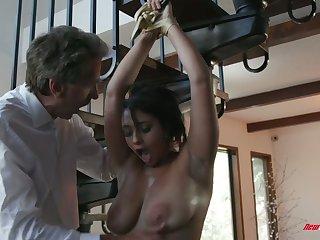 Aroused Steve Holmes fucks meaty pussy of bosomy sexy nympho