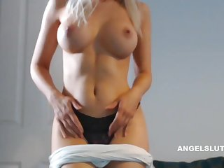 Horny Blonde Milf Makes Her Pussy Wet