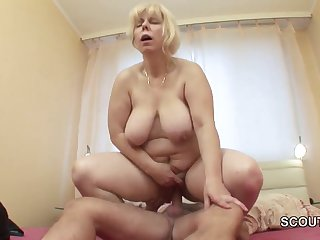 Mother I´d Like To Copulate wakes up german step-son to get fuck in asshole