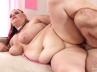 Plumper Buxom Bella Rides Her Babysitters Cock with a Butt Plug up Her Ass