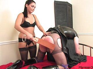 Milf ass fucks male slave before enjoying sex