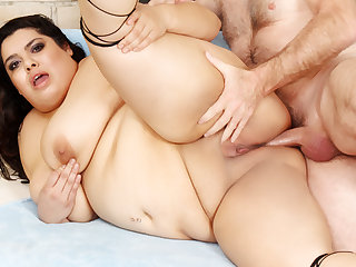 Mexican BBW Bella Bangz Gets a Passionate Anal Pounding by Her Old Lover