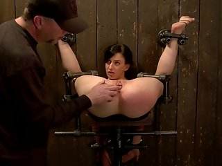 Slave is bound in back arch device