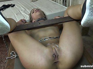 Hardcore pussy pounding ends with a cumshot for tied up Sarah Kay