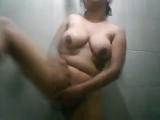 This Sri Lankan chick loves showering and I love her womanly body