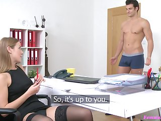Sex on the couch during naughty job interview