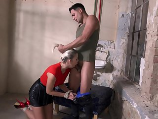 Deep sex in maledom XXX tryout with a hot blonde