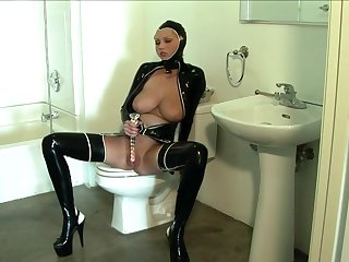 Nasty babe Hanna Hilton loves dressing in leather and masturbating